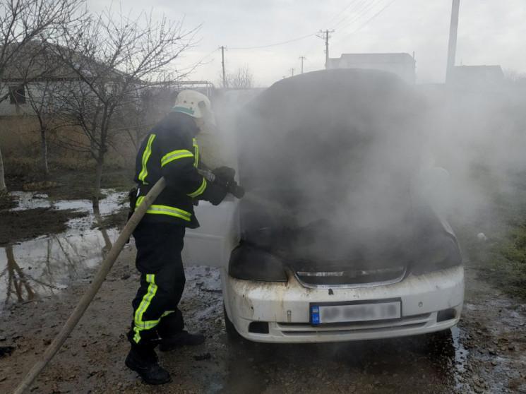 На Запоріжжі спалахнула легкова автівка…