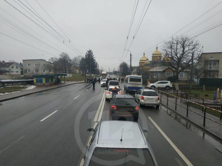 В Ямниці протестувальники перекрили доро…