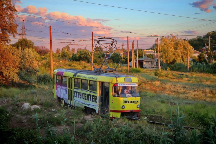 В Одессе из-за порывов ветра не ходит тр…