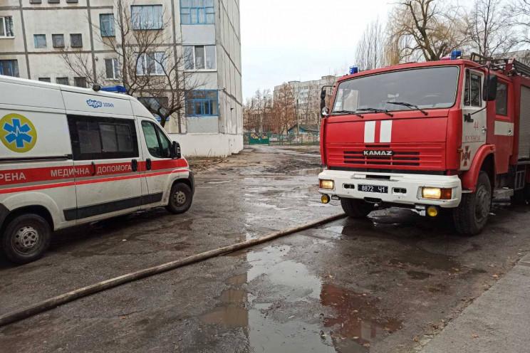 На Харківщині під час пожежі у висотці ж…