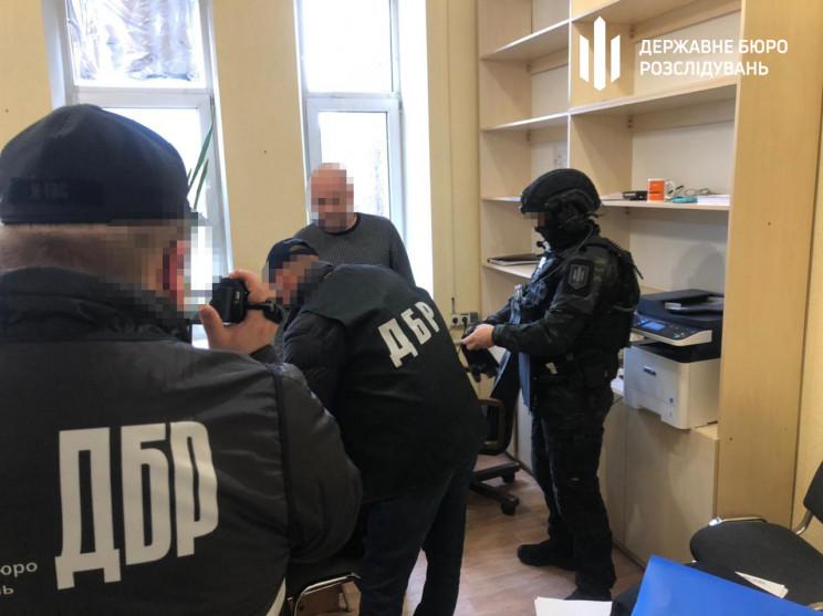 В Харькове на взятке в 20 тыс. долларов…