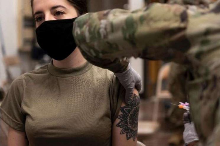 Коронавирус в армии: Как будут вакциниро…