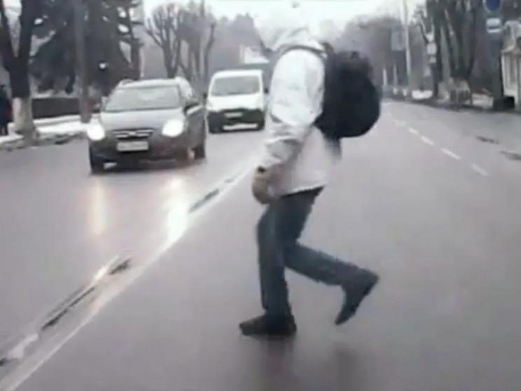 Пішоходів в Україні штрафуватимуть за пе…