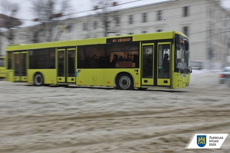 У Львові на маршрути не виїхали 27% авто…