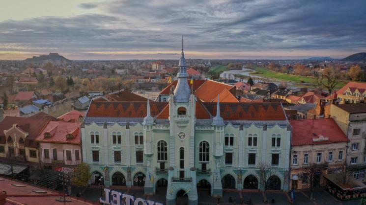 У Мукачеві відновлять фасади в історичні…