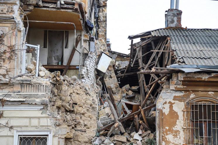 В середмісті Одеси обвалилась значна час…