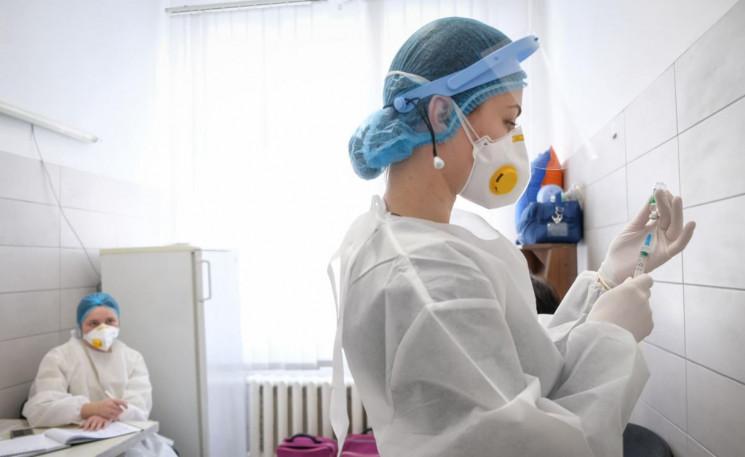 COVID-вакцинація в Україні: Скільки укра…