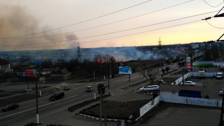 У Мелітополі біля АЗС спалахнула пожежа…