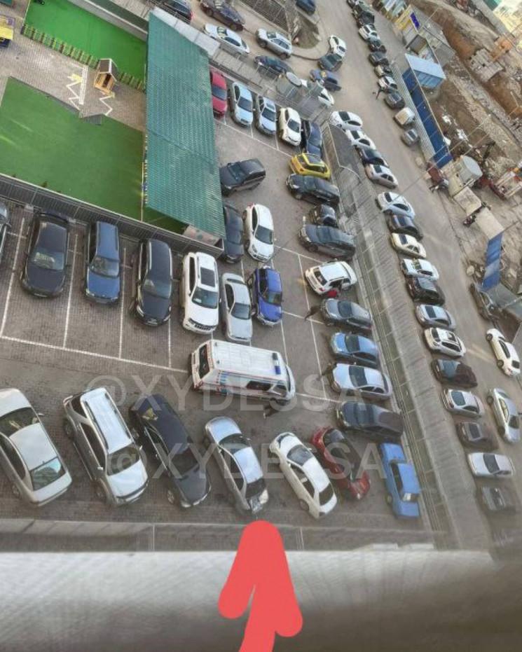 В Одесі чоловік вистрибнув з 23 поверху…