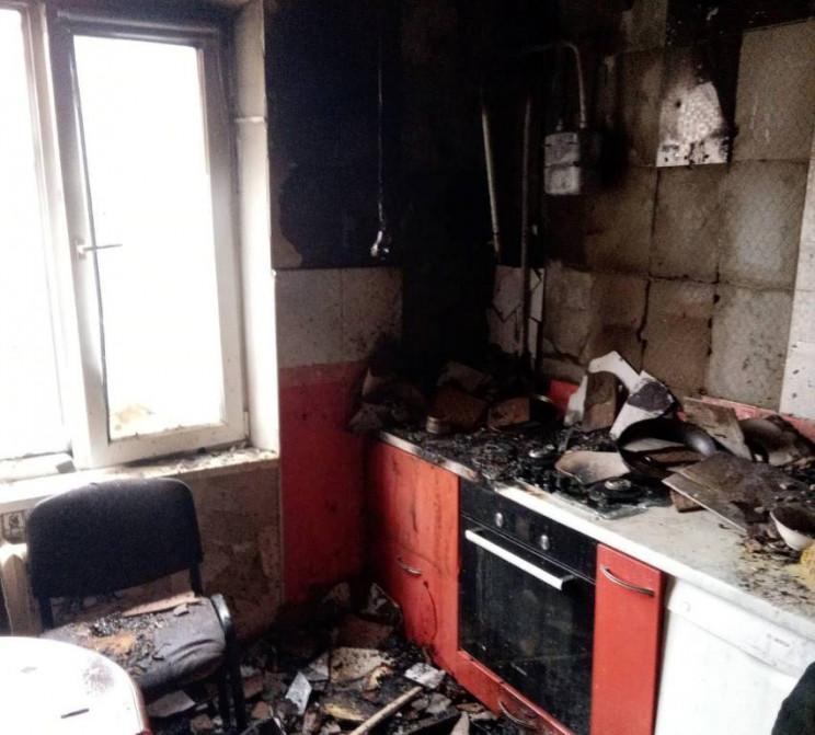 В Одессе горела квартира, жителей эвакуи…