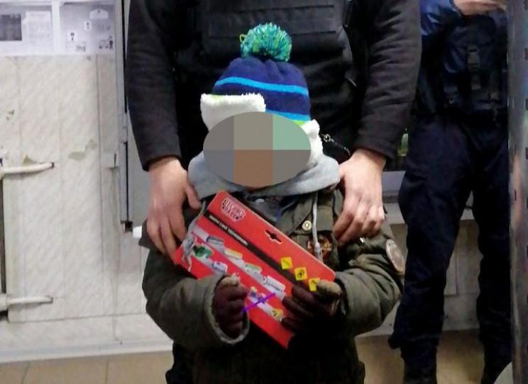 В Запорожье бабушка забыла внука в автоб…