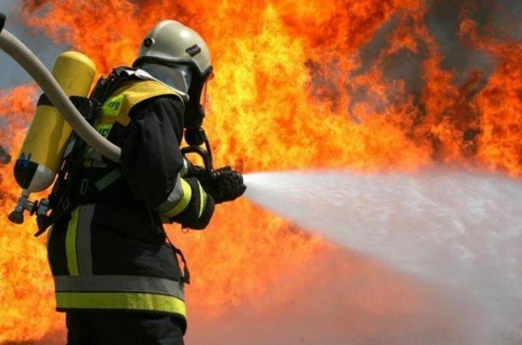 На Харьковщине вспыхнул пожар в жилом до…