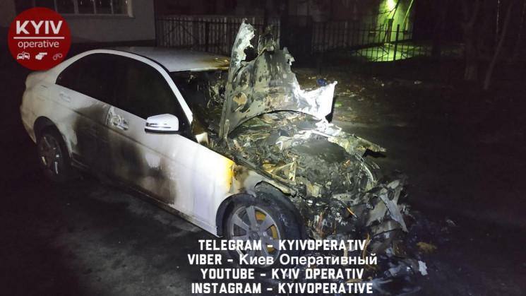 Екс-депутат Київради спалив авто дружини…