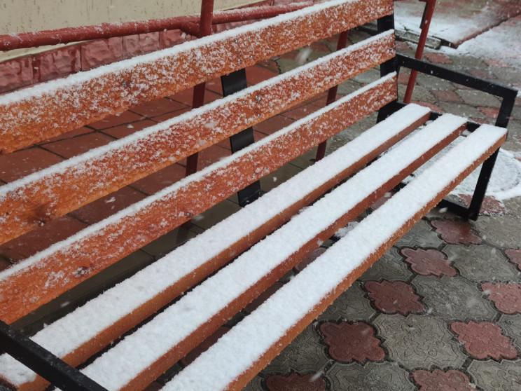 На півночі Одещини в квітні випав сніг…