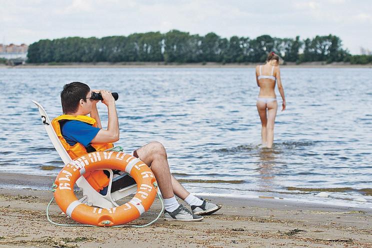 Як безпечно відпочивати на воді у спекот…