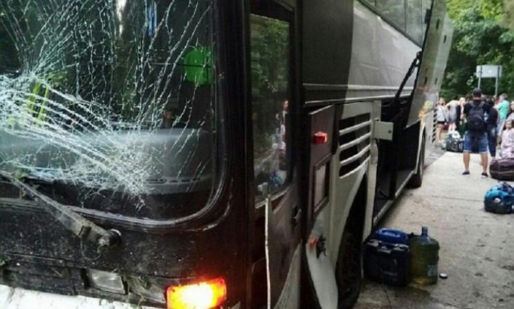 """На Росії автобус з """"ДНР """" потрапив в ава…"""