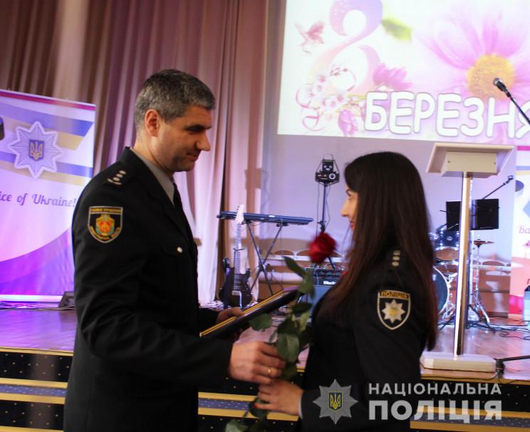 Кропивницьким поліціянткам вручили ключі…