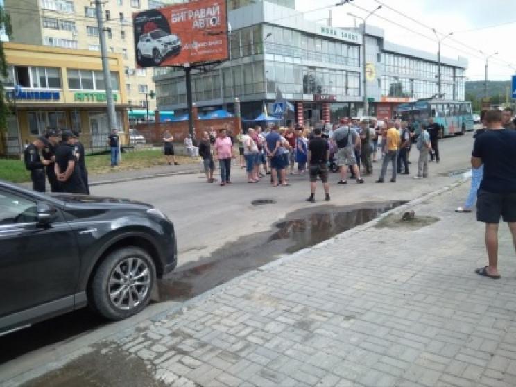 У Чернівцях другий день поспіль активіст…