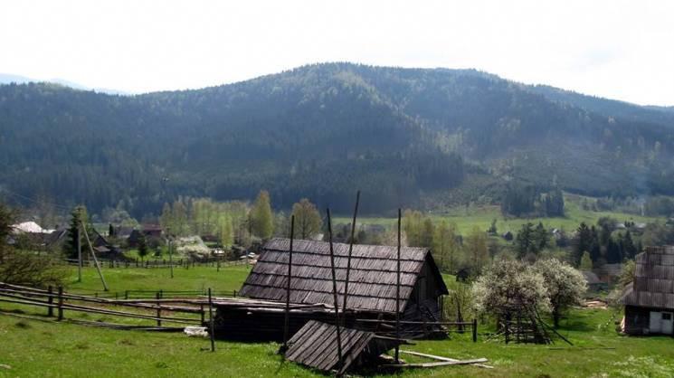 "Последнее село ""с цивилизацией"" в Карпат…"