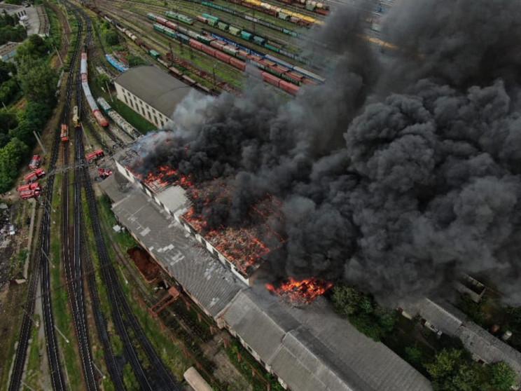 Появились новые масштабные фото пожара н…