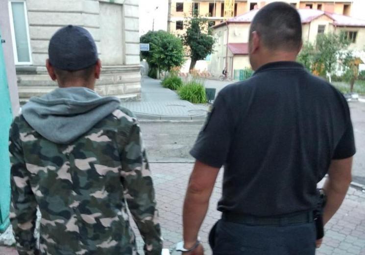 Поліція затримала чоловіка, який погрожу…