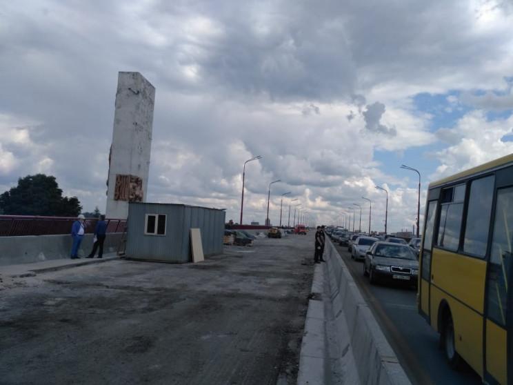 Новий міст Дніпра перекриють через парі…