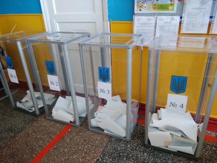 На семи виборчих дільницях Полтавщини за…