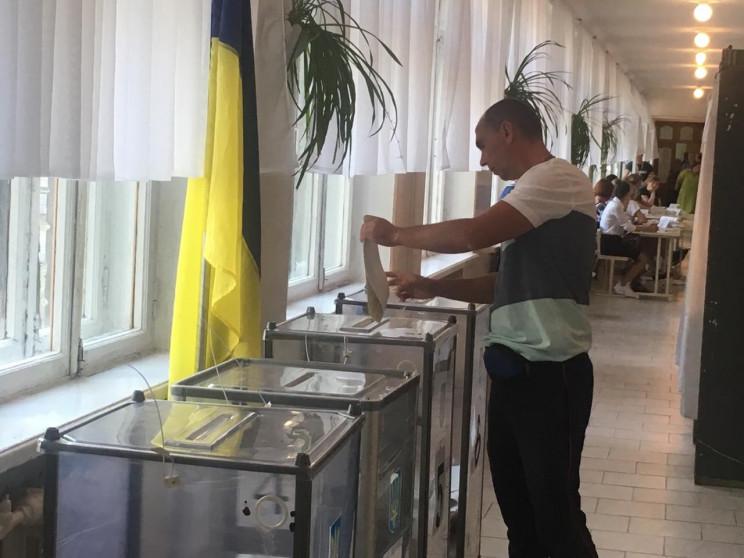 На одній виборчій дільниці Дніпропетровщ…