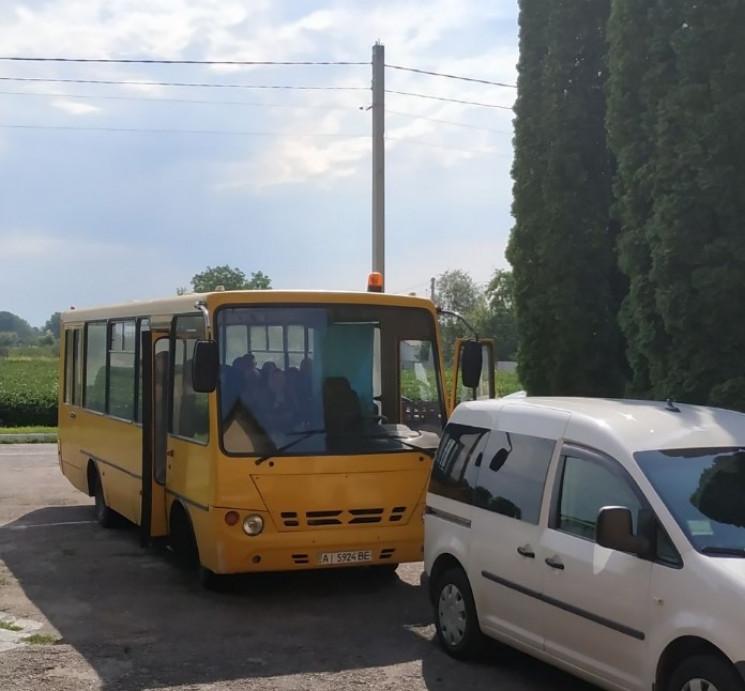На Київщині зафіксували підвіз виборців…