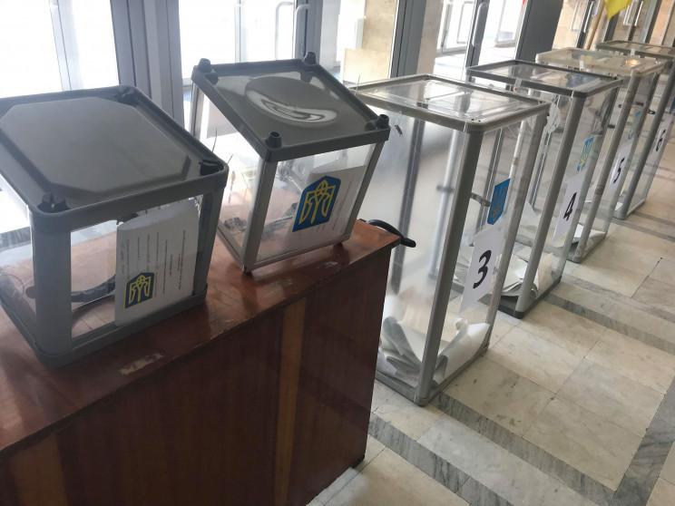 На Киевщине подсчет голосов провели в ка…
