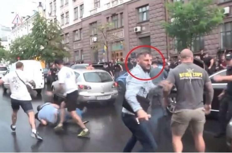 На Порошенка напали в Києві: Що про це в…