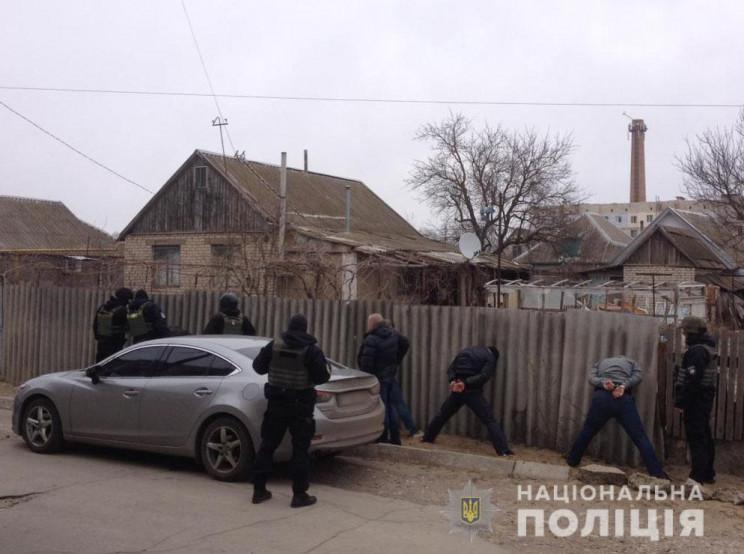 На Херсонщині затримали банду кримчан-кв…