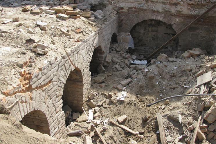 Підземні ходи чи винний погріб: В центрі…