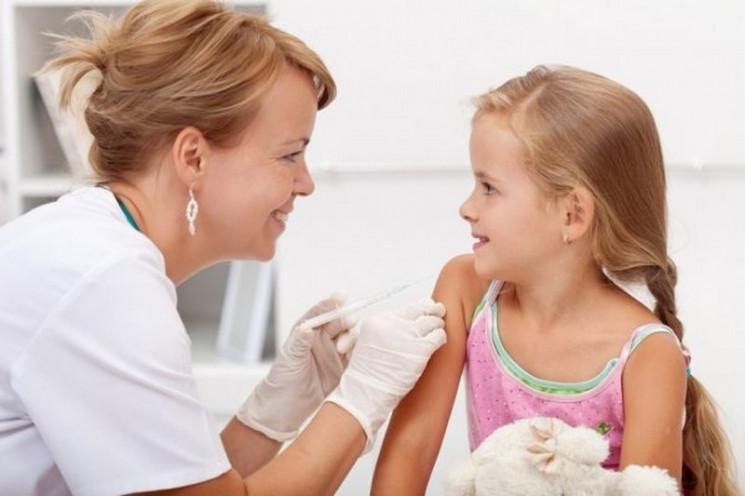 Детей без прививок не пустят в школы и с…