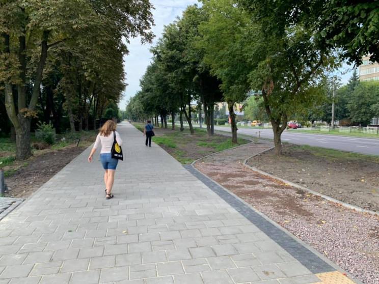 Як у Львові будують велодоріжку з центру…