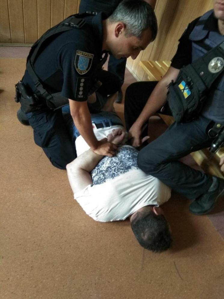 В Днепре задержали запорожского полицейс…