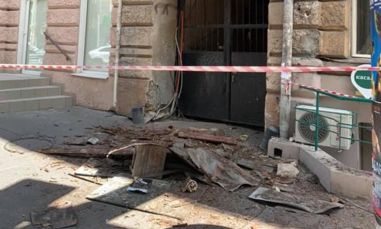 В центрі Одеси обвалився балкон…