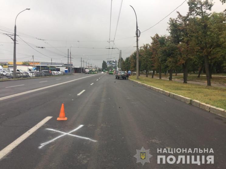 В Харькове водитель Сһегу сбил мужчину…