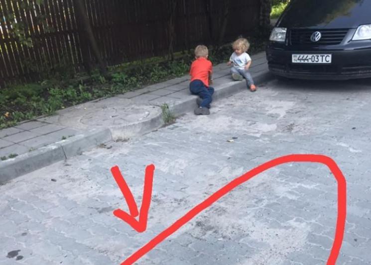 Як у Львові таксист збив сина клієнтки,…