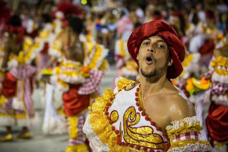 На карнавал та вуличні танці до Дня Дніп…
