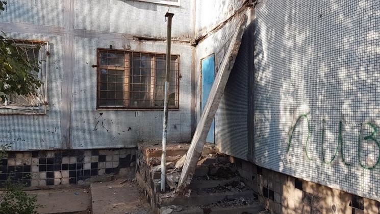 На Запорожье из многоэтажки бетонная пли…