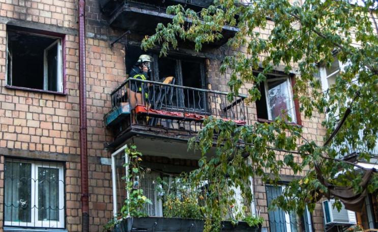 У Києві спалахнула пожежа у квартирі: Вр…