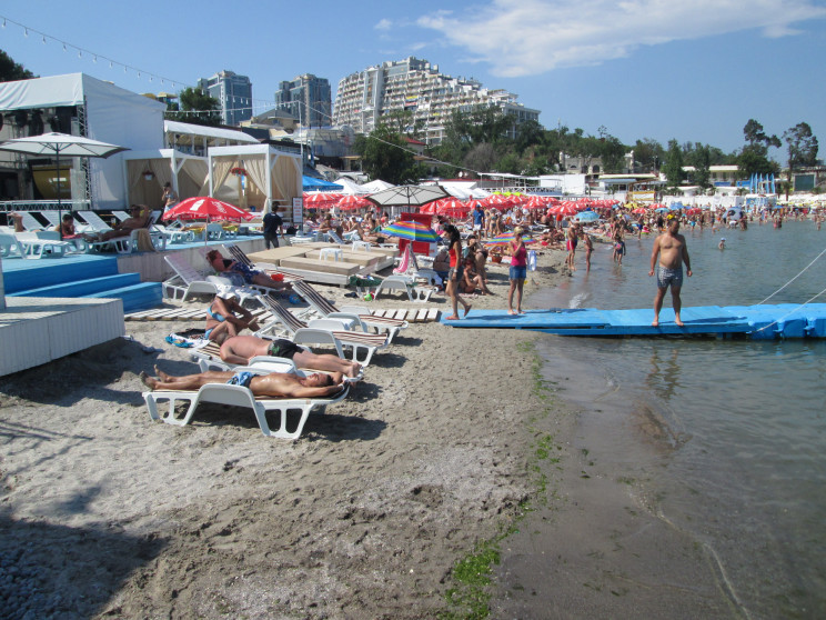 В Одесі дозволили купатися на всіх міськ…