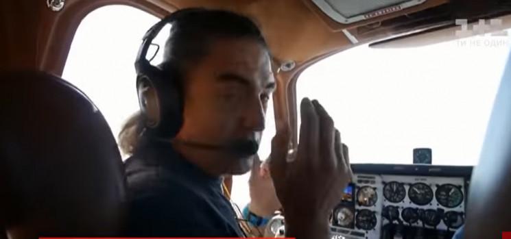 Українець на старому літаку летів через…