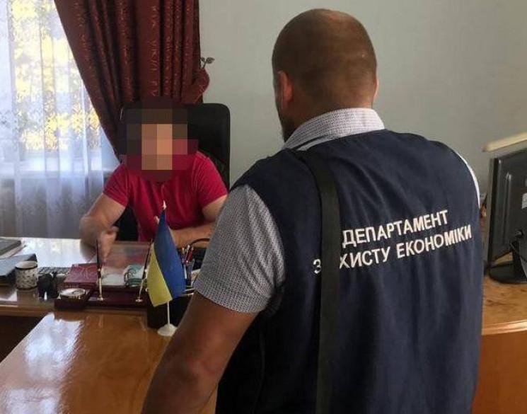 На Чернігівщині попалися на хабарах голо…