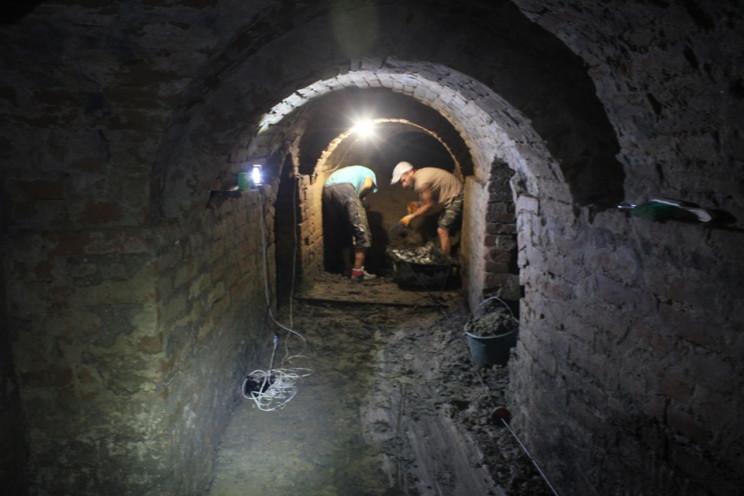 В Полонном исследуют исторические подзем…
