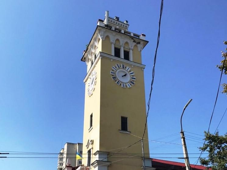 На головному годиннику Хмельницького щоч…