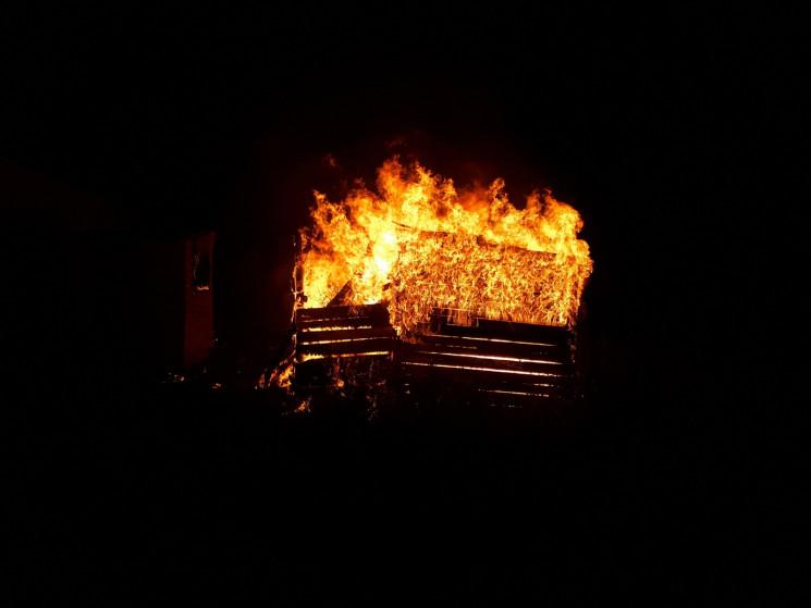 На Кропивниччине горели гараж и хозяйств…