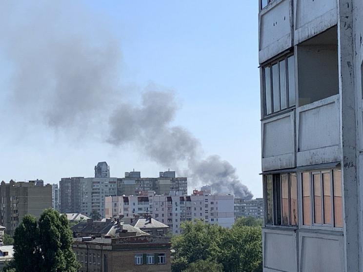 Вогонь охопив 400 кв. м: На околиці Києв…