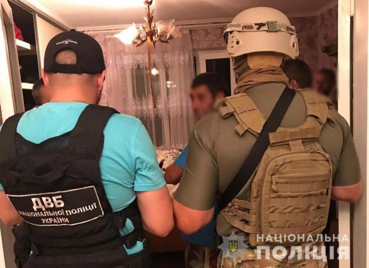На Буковині поліцейські виготовляли на п…